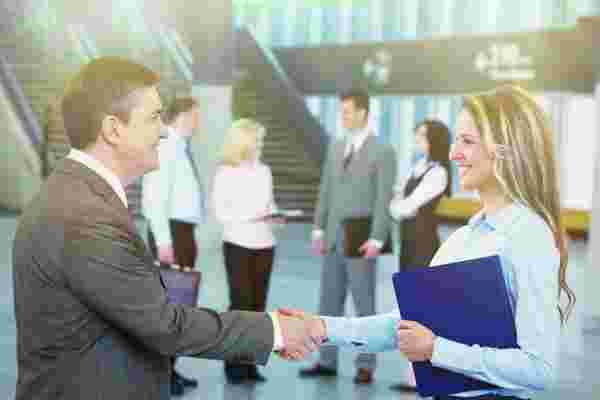 为什么以及如何雇用潜在的经验