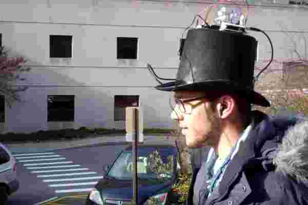 看看这个: 全球定位系统礼帽用音频提示给出方向