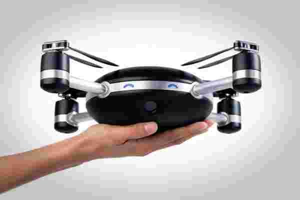 这架无人机想更换你的自拍杆